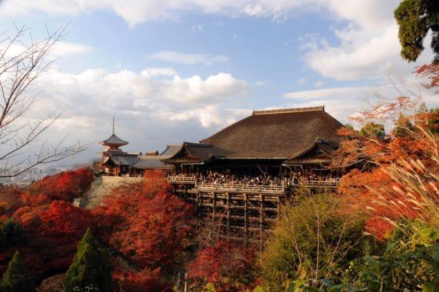 Kiyomizudera på hösten