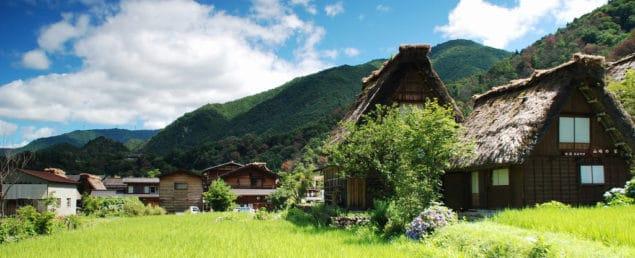 Shirakawa-go på sommaren